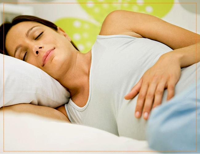 на каком боку спать при беременности